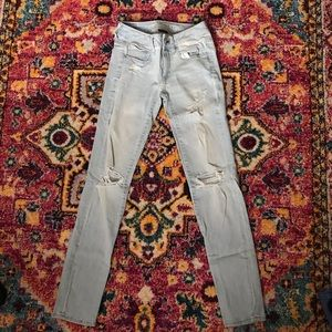 American Eagle light washed skinny jeans